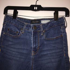 Women's High Rise Dark Wash Skinny Jean